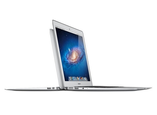 "Ultrabook model Apple MacBook Air MJVP2ZE/A/R1 11,6"", procesor Core i5 1,6GHz, pamięć RAM 8GB, dysk 256GB SSD (MJVP2ZE/A/R1)."