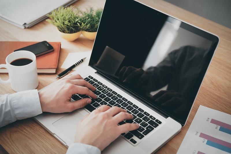 rodzaje laptopów