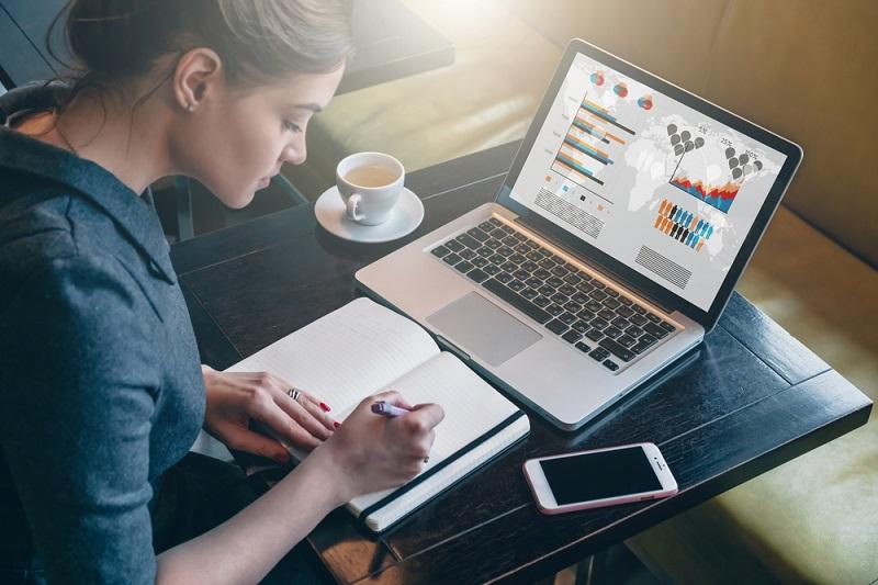 wielkość i rozdzielczość ekranu laptopa
